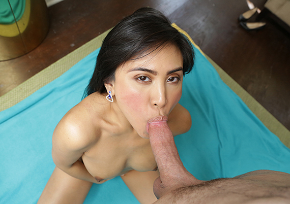 Horny US-based Filipina goes crazy for trike patrol dick