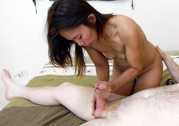 Filipina MILF handjob expert with kung-fu grip