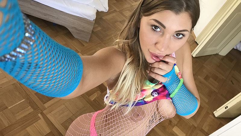 Vyvan Hill in Prague taking sexy naughty selfies of tits and ass