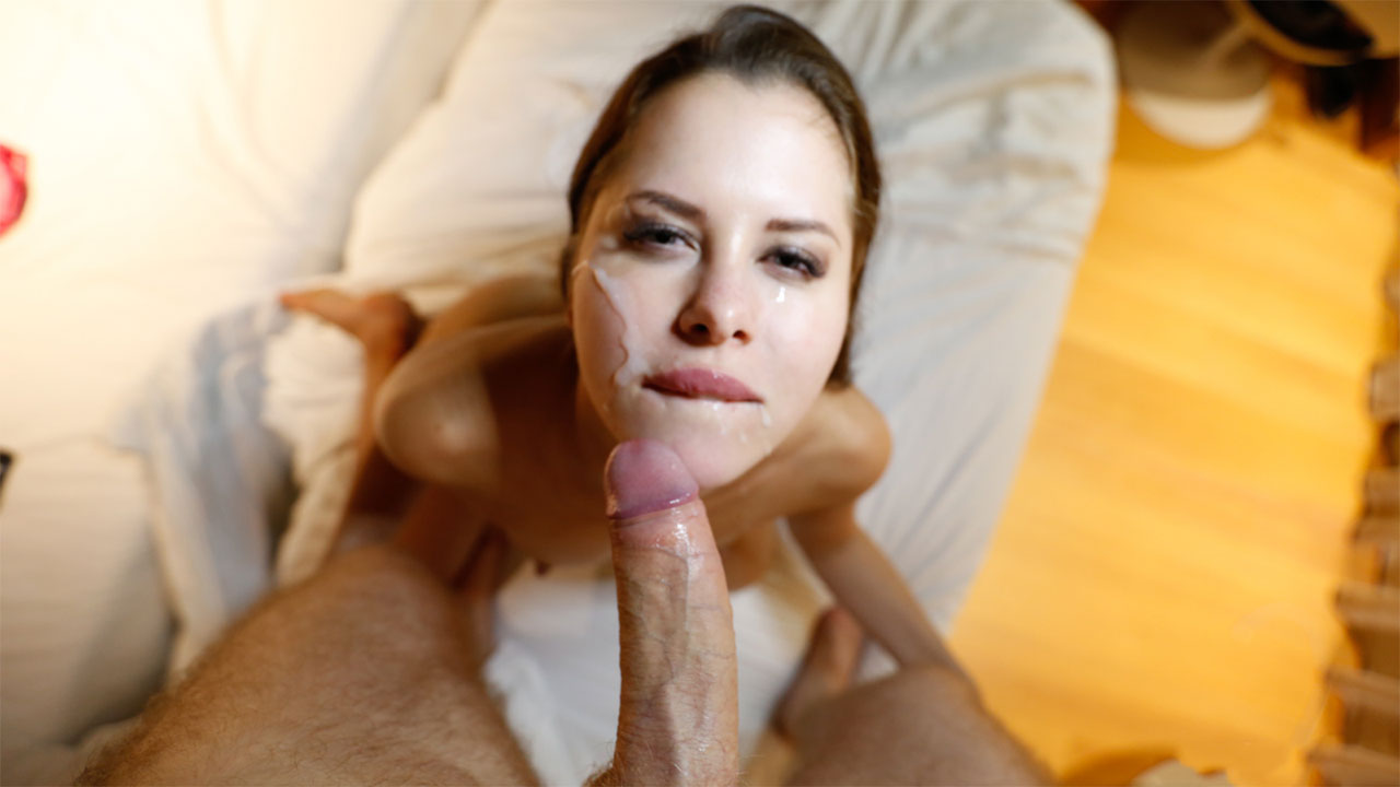 Sultry Twitter slut meets stranger from internet for a date, gets cum on her face
