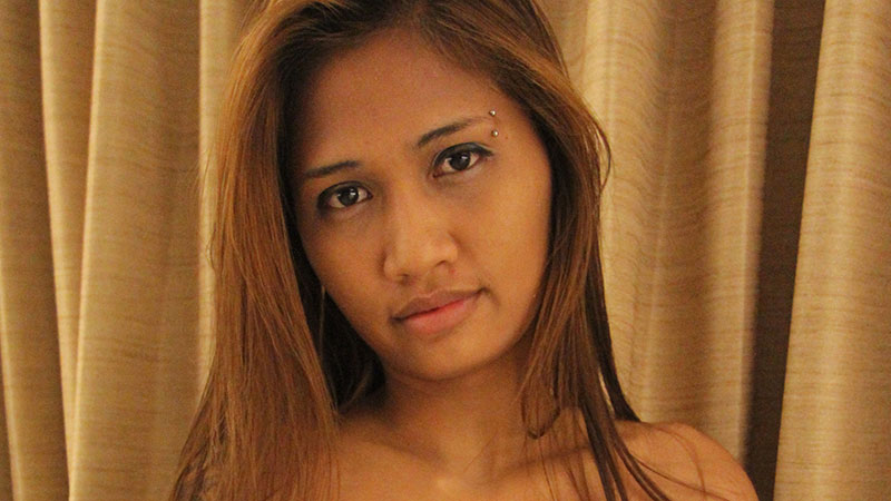 Horny and Laos beauty lets stranger cum inside her pussy