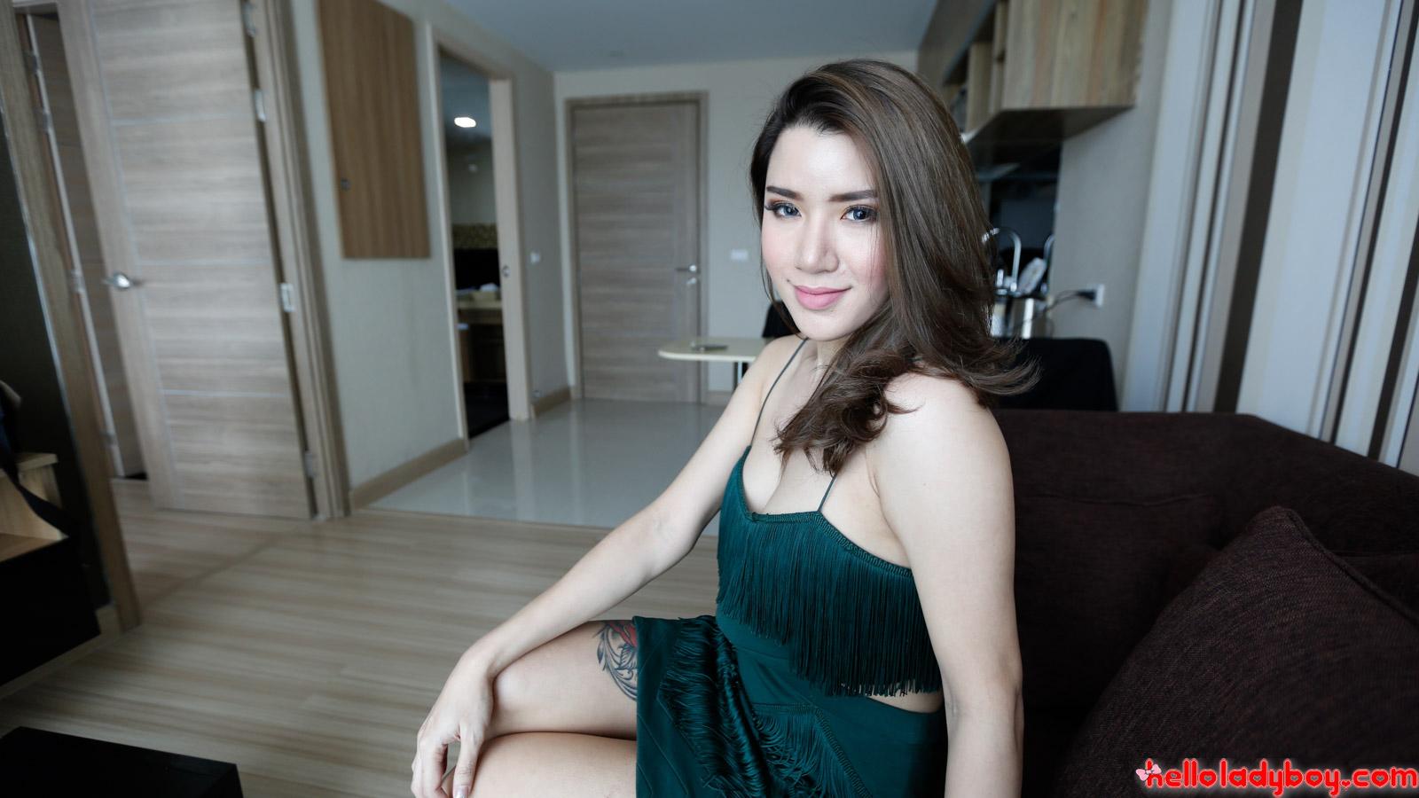 Hot 25yo sexy Thai ladyboy sucks white cock